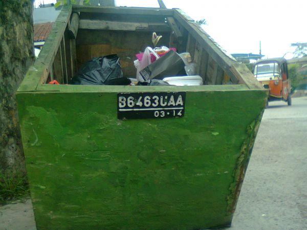 Gerobak Sampah Resmi Berplat