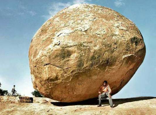 Menahan Batu Agar Tidak Menggelinding