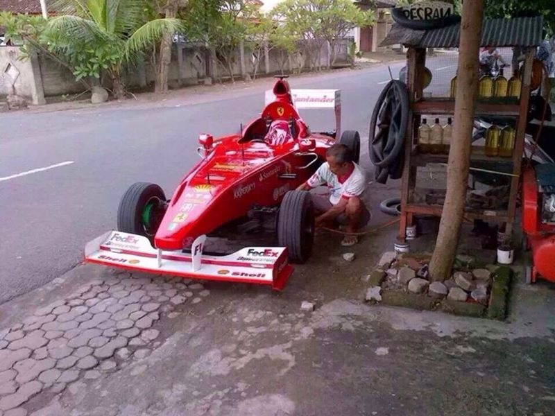 Tambal Ban Mobil Balap